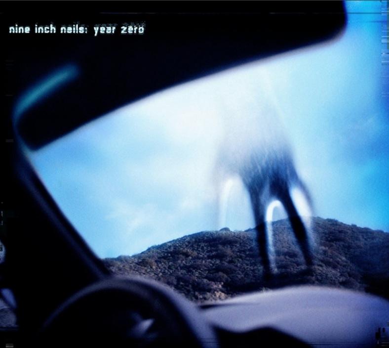"""Portada de """"Year Zero"""", disco de Nine Inch Nails que imaginó, hace cinco años, el inminente cambio de era"""