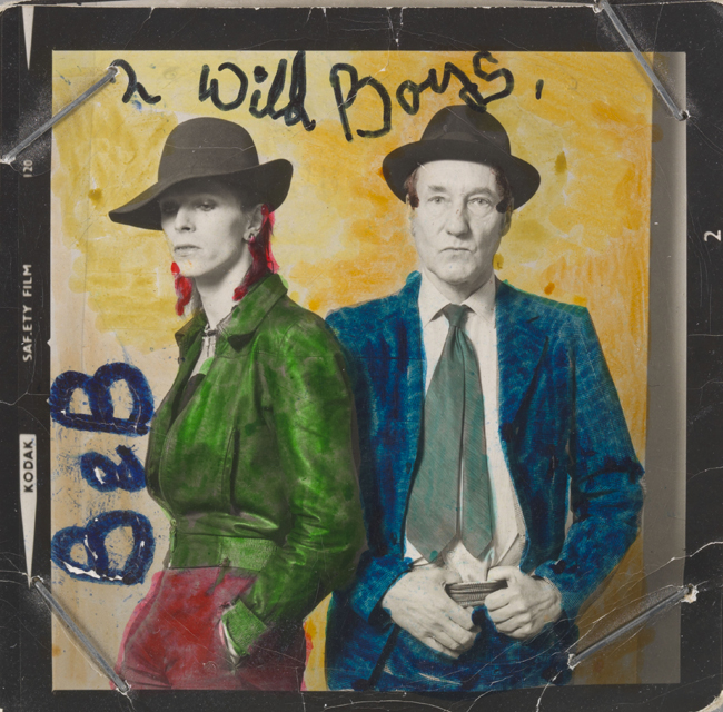 David Bowie y William Burroughs retratados por Terry O'Neill en 1974. Bowie coloreó a mano la foto. Fuente: neo2.es