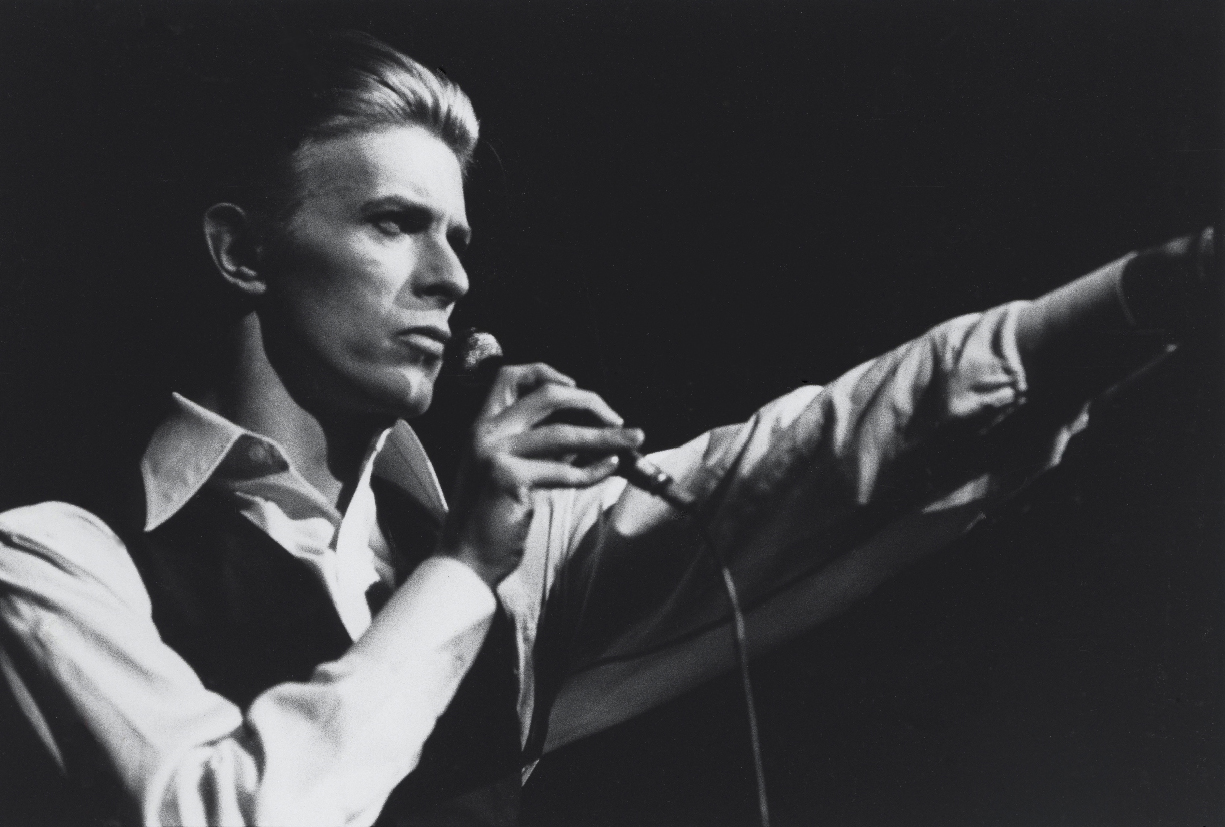 David Bowie, en su etapa como 'El duque blanco'. Fuente: www.lezgetreal.com