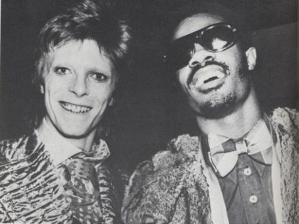 Bowie y Stevie Wonder. Fuente: www.thisisnotporn.net