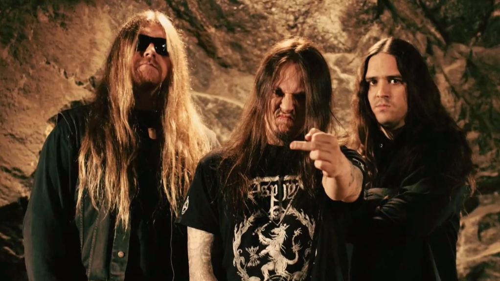 Hypocrisy, con Peter Tägtgren en el centro. Fuente: www.metal-archives.com