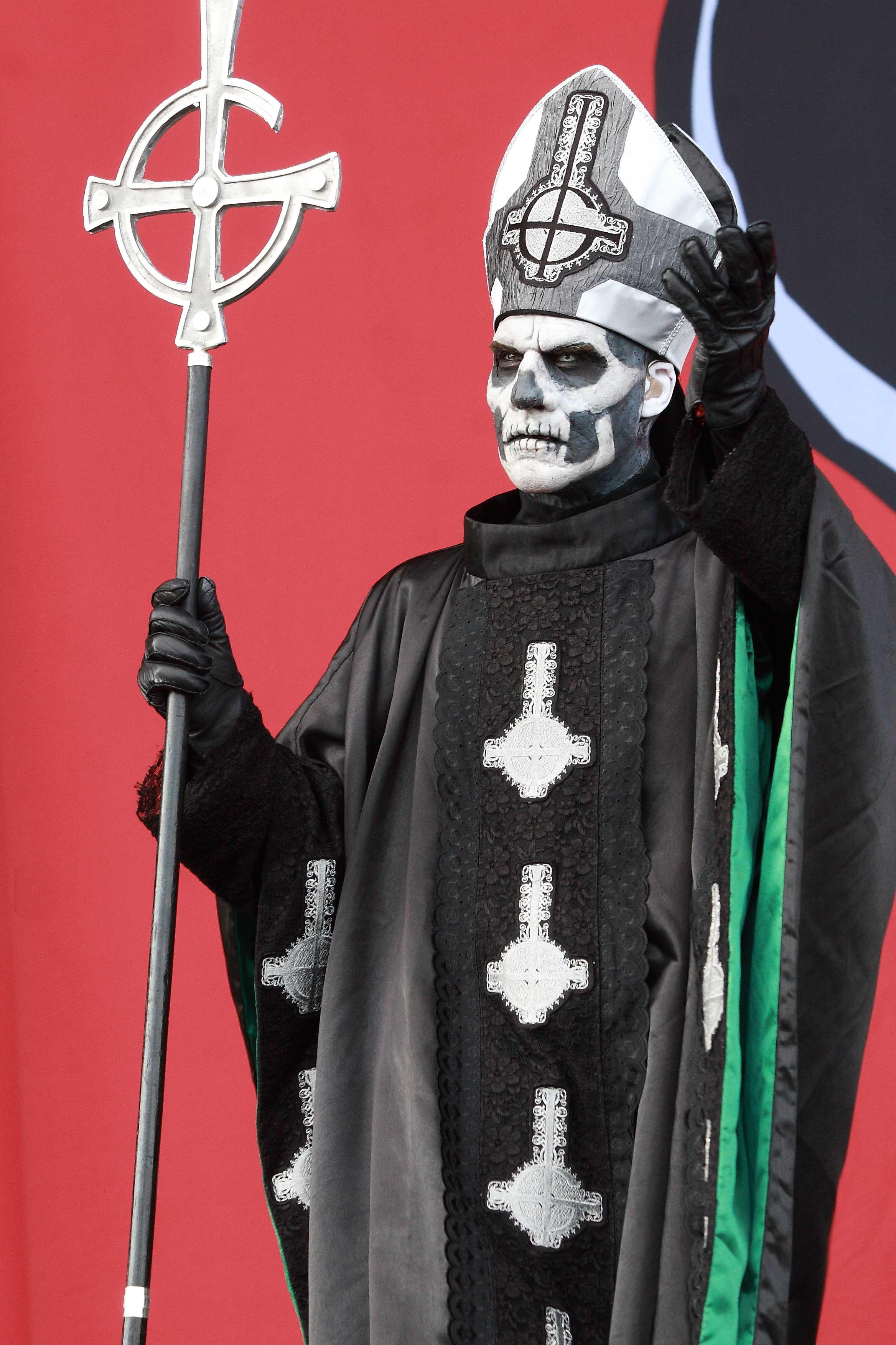 Papa Emeritus II, maestro de ceremonias del maléfico ritual de Ghost. Foto: Eduard Tuset