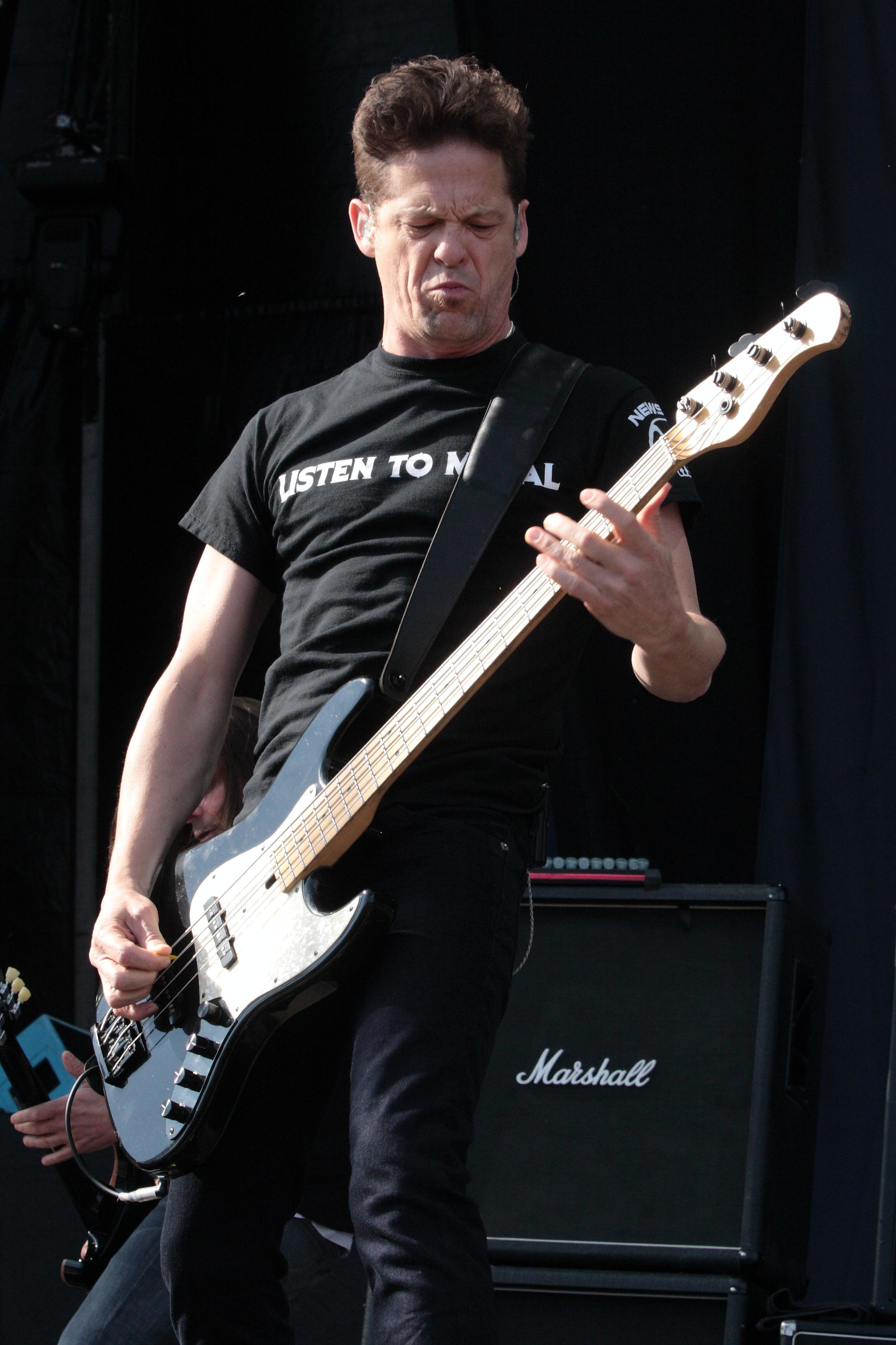 Jason Newsted recreando el sonido de los primeros Metallica. Foto: Eduard Tuset