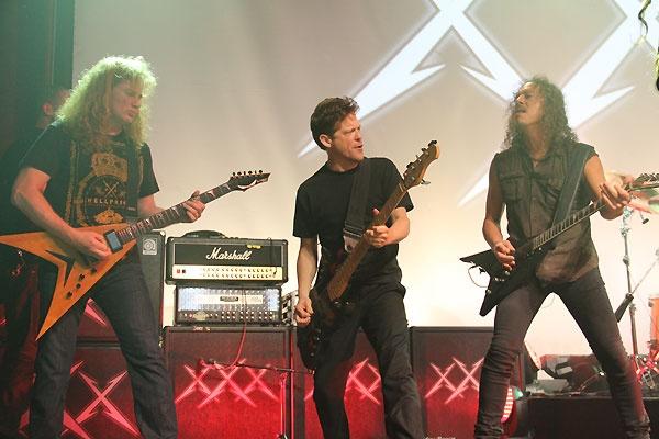 Metallica. Concierto 30 aniversario. De izq. a dcha.: Dave Mustaine, jason Newsted y Kirk Hammet. Fuente: www.pinterest.com