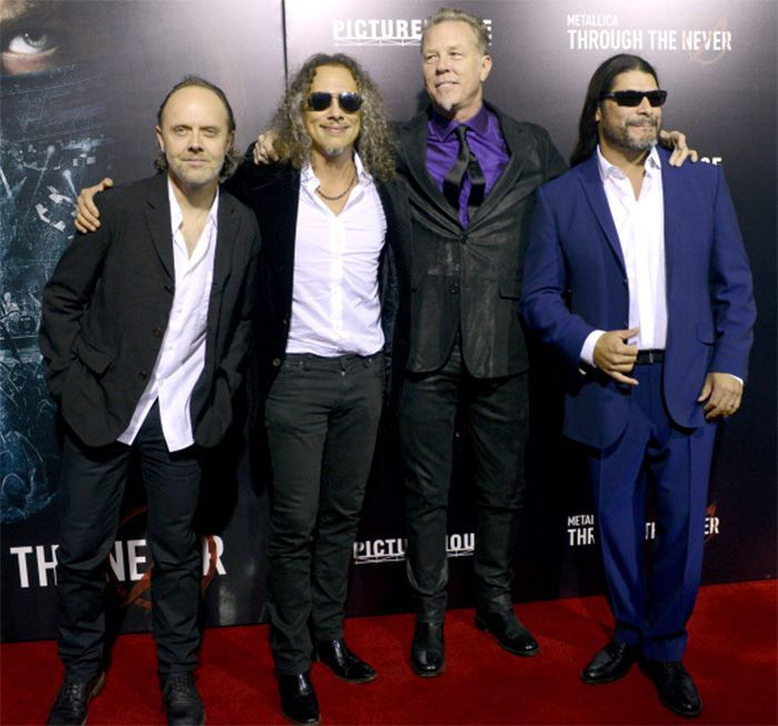 "La banda, en la reciente premiere de la película ""Through the Never"" en San Francisco. Fuente: www.pinterest.com"