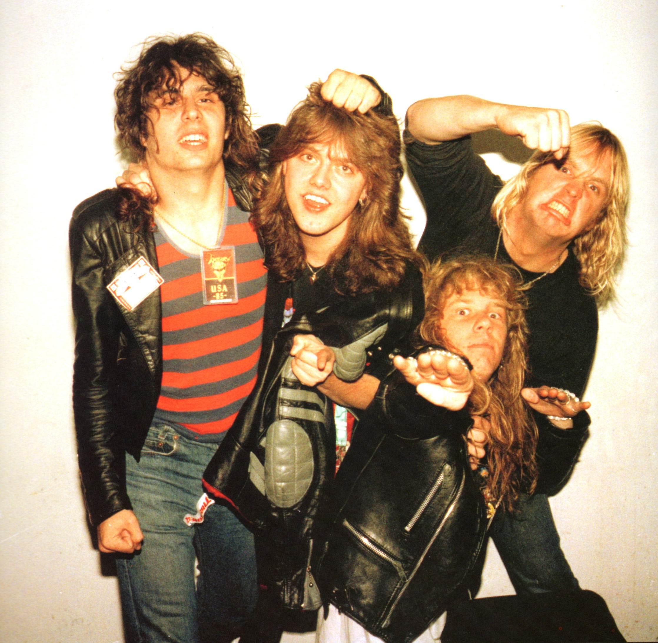 Slayer y Metallica, reyes del thrash metal a mediados de los ochenta. De izq. a dcha: Dave Lombardo, Lars Ulrich, James Hetfield y Jeff Hanneman. Fuente: www.pinterest.com