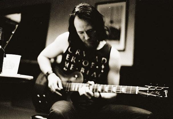 Niklas Sundin, guitarrista de Dark Tranquillity y artista visual. Fuente: www.musicradar.com