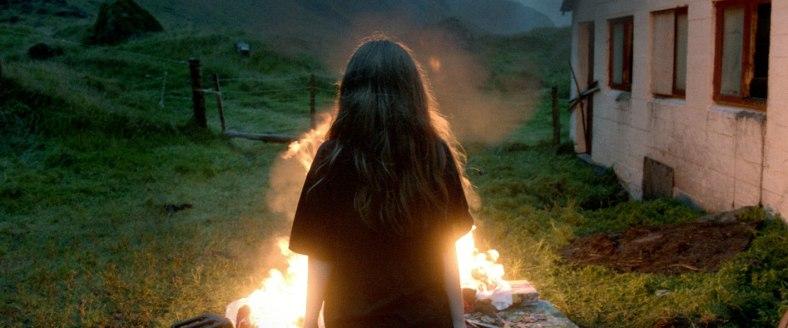 ¿Mucho frío? Haz una buena hoguera. Fuente: http://kvikmyndir.is
